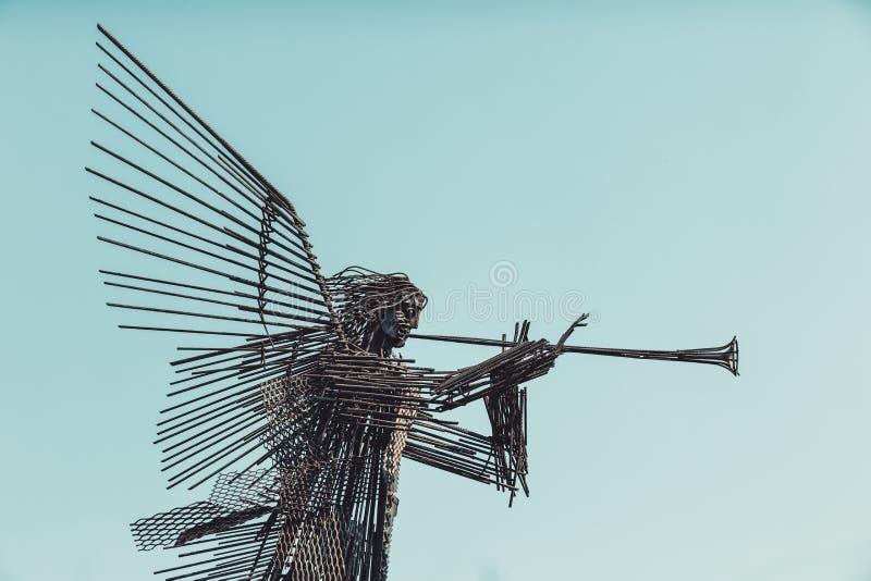 UCRÂNIA, CHORNOBYL - 19 DE AGOSTO DE 2017: Monumento do terceiro anjo em Chornobyl imagem de stock royalty free
