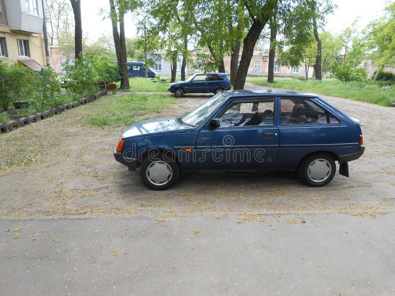 ` Ucraino del ` ZAZ Tavria dell'automobile del ` s della gente fotografia stock