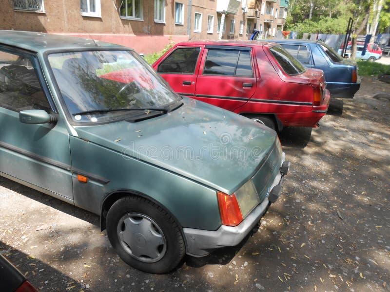 ` Ucraino del ` ZAZ Tavria dell'automobile del ` s della gente fotografie stock libere da diritti