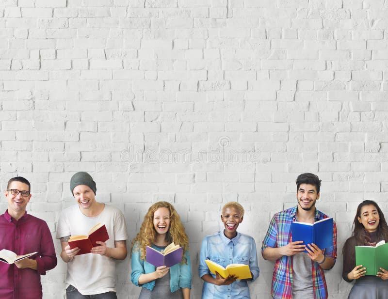 Uczeń młodości edukaci wiedzy Dorosły Czytelniczy pojęcie zdjęcia royalty free
