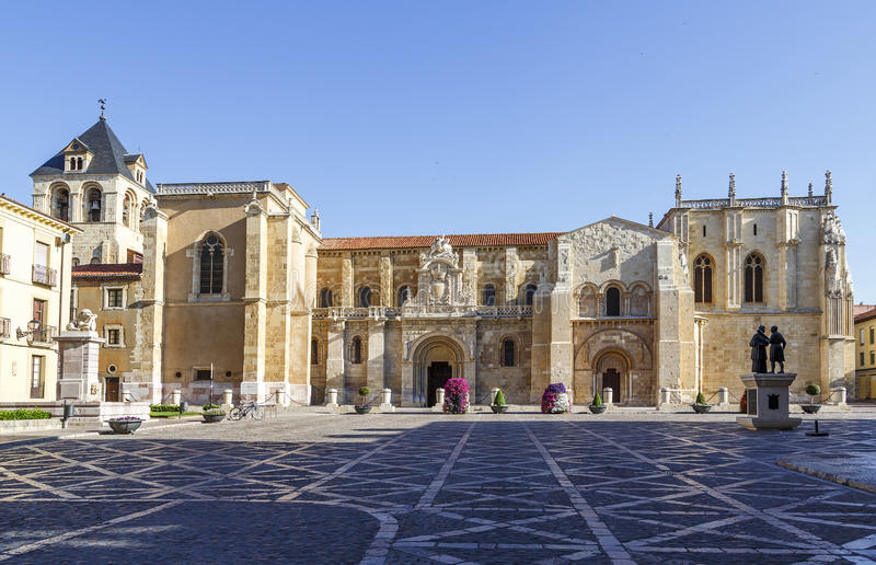 Uczelniany kościół San Isidoro obrazy royalty free