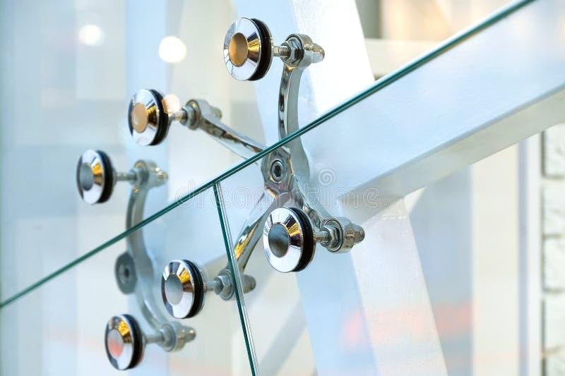 Uczepienie szklane ściany architektury abstrakcjonistyczny tło Szklane zasłoien ściany Elementy skowa systemu metalu szkło zdjęcie stock