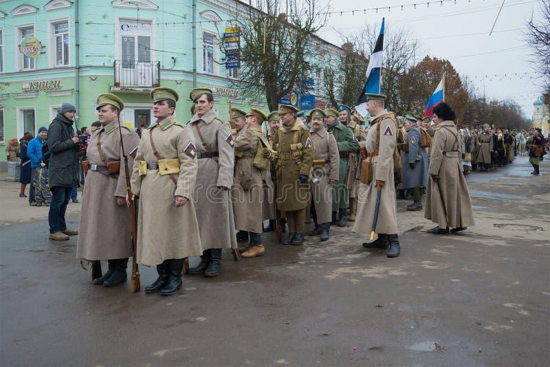 Uczestnicy międzynarodowego dziejowego festiwalu Cywilna wojna w Rosja zdjęcia stock