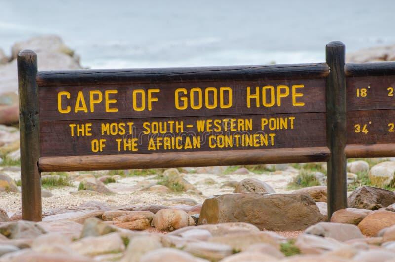 Udde av träsignalen för bra hopp Mest söder och västra punkt av den afrikanska kontinenten Uddehalv?, Sydafrika fotografering för bildbyråer