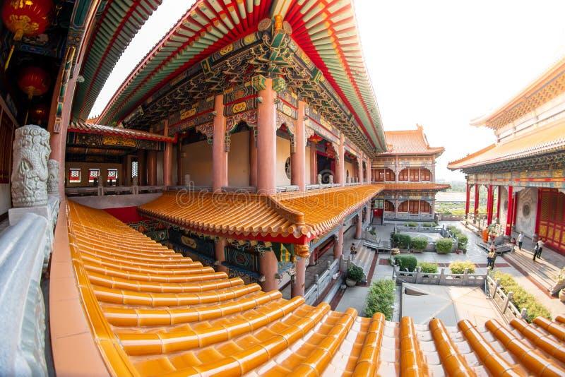 Uderzenia Bua pasek, Nonthaburi, Tajlandia - 17 2019 Stycze?: Bora Racha Kanchanaphisek Leng Nei Yi ?wi?tyni 2 ?wi?tynny miejsce  fotografia stock