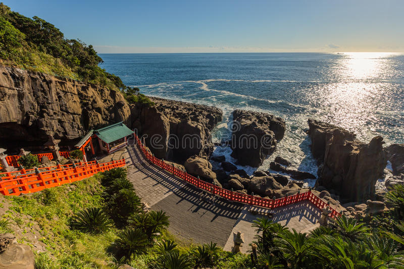 Udojingu, een Shinto-heiligdom op Nichinan-kustlijn, Kyushu wordt gevestigd die royalty-vrije stock foto's