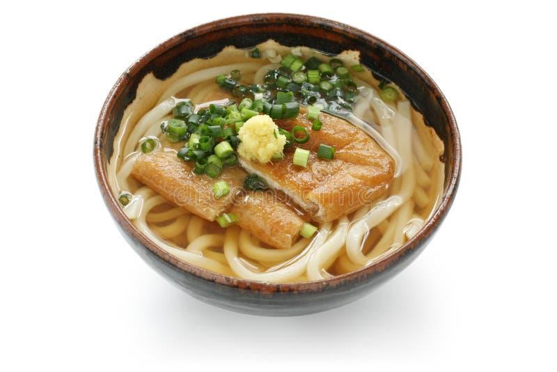Udon de Kitsune, prato japonês do macarronete fotografia de stock royalty free