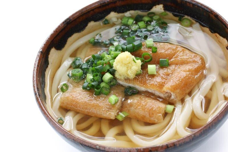 Udon de Kitsune, prato japonês do macarronete foto de stock royalty free