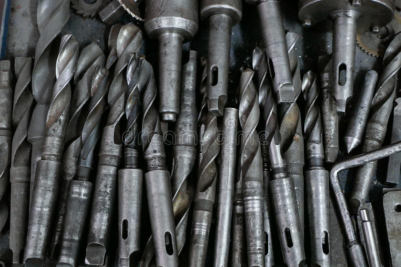 Udział świderów kawałki dla metalu kłaść w stosie fotografia royalty free