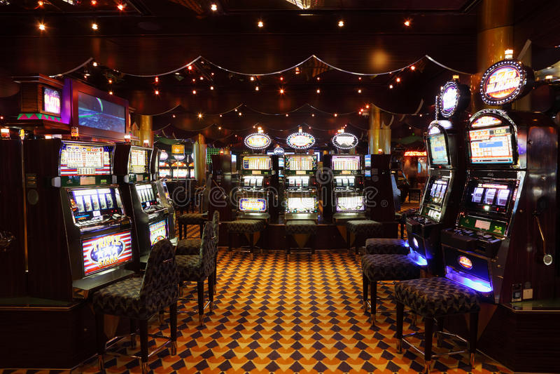 Udział automat do gier przy liniowa Costa Luminosa zdjęcia royalty free