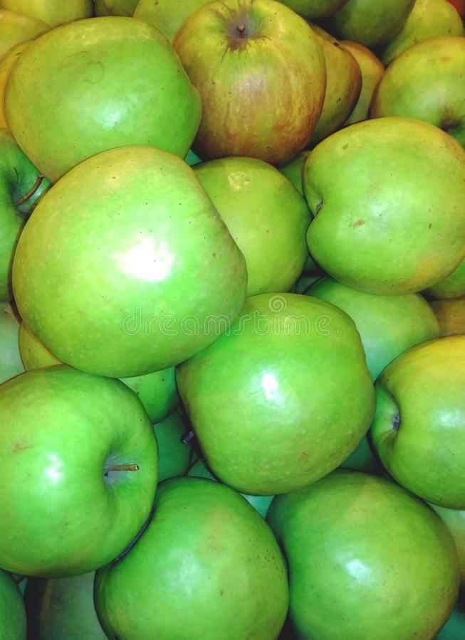 Udziały zieleni jabłka obraz royalty free