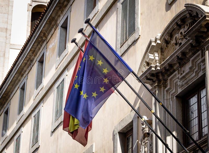 UE e bandeiras espanholas imagens de stock royalty free
