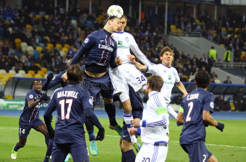 UEFA-Champions Leaguespiel Dynamo Kyiv gegen PSG lizenzfreie stockbilder
