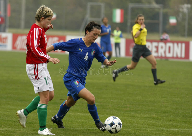 Download UEFA FEMALE SOCCER CHAMPIONSHIP 2009,ITALY-HUNGARY Editorial Image - Image of european, green: 10426480