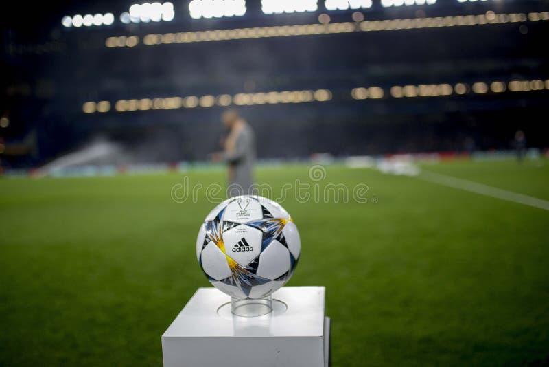 UEFA-Meister-Liga-Ball stockfotos