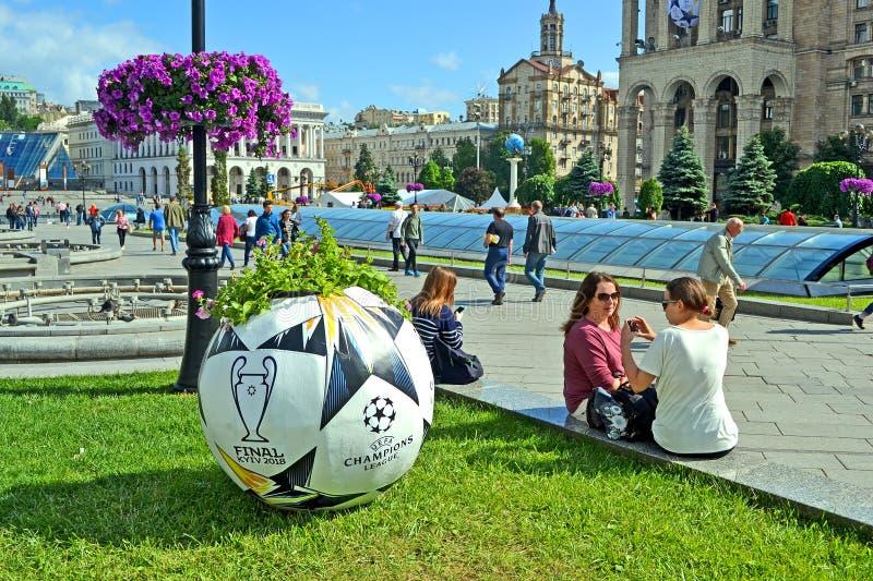 UEFA verdedigt Liga Definitieve 2018 Symbolen, Kiev, de Oekraïne, royalty-vrije stock fotografie