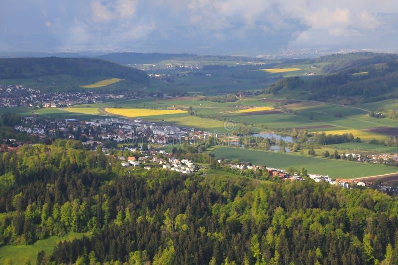 Uetliberg панорамный вид всего города Zürich, Швейцарии стоковые фото