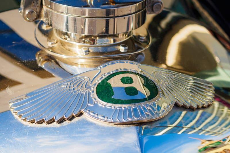 Ufa, Rosja, 22 2019 Czerwiec: 7th Peking Paryż silnika wyzwanie W górę emblemata Bentley samochód zdjęcie royalty free