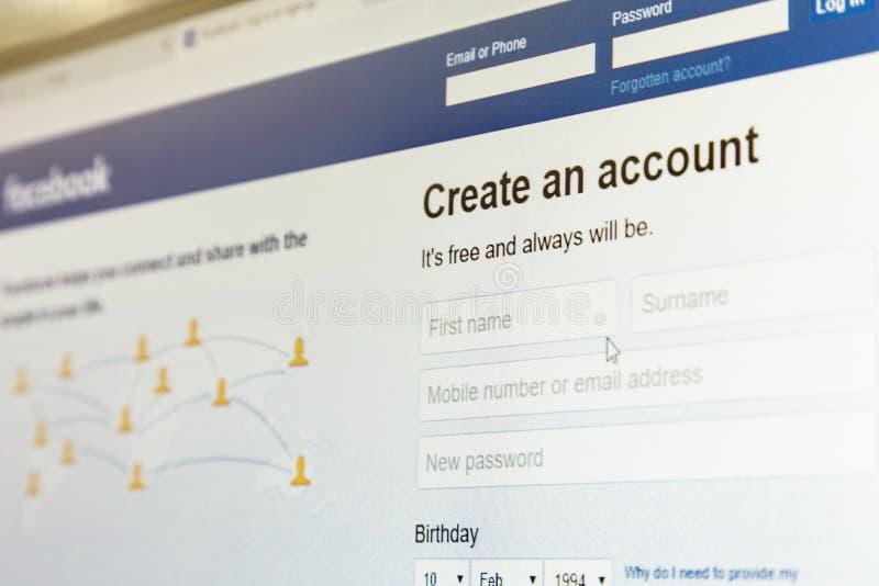 Ufa, Rusia 15 de febrero de 2019: El sitio de Facebook del funcionario, su página principal en la pantalla de monitor, foco en la fotos de archivo libres de regalías