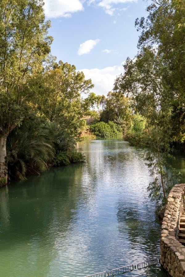 Ufer von Jordan River am Tauf- Standort, Israel lizenzfreie stockfotografie