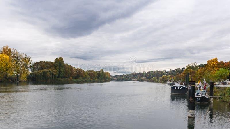 Ufergegend der Seines an La Frette-sur die Seine stockbild