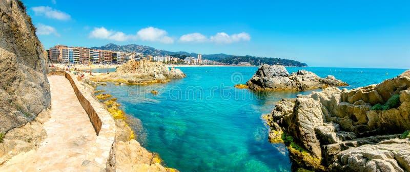 Ufergegend des beliebten Erholungsorts Lloret de Mar Costa Brava, Katalonien, Spanien stockfotografie