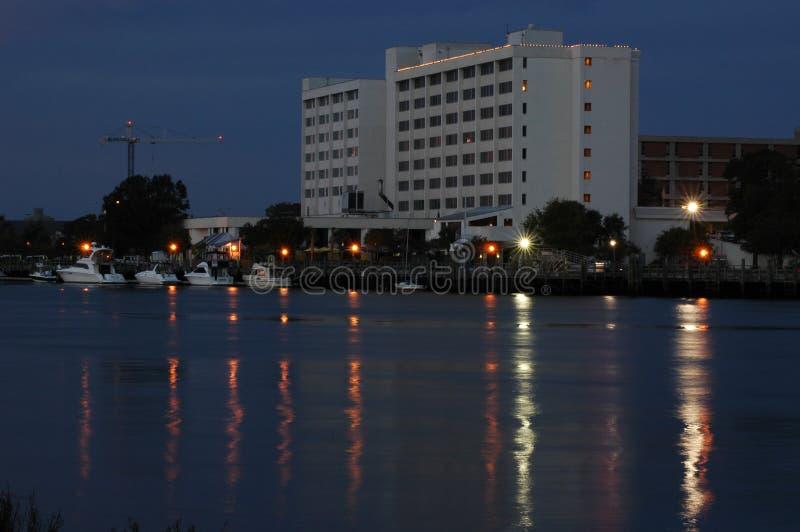 Ufergegend-Hotel lizenzfreie stockfotos