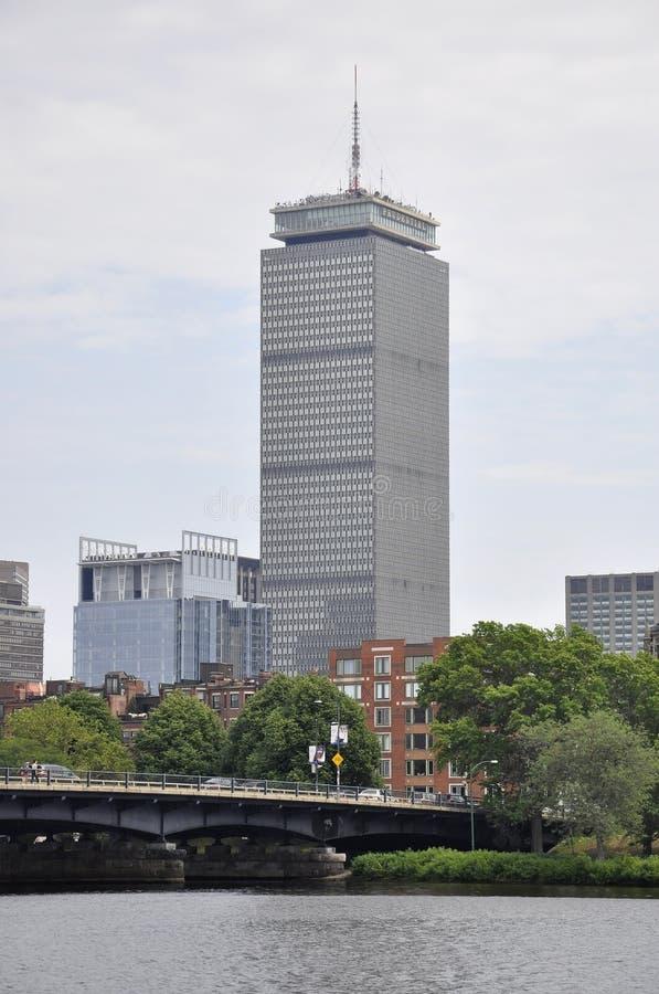 Ufergegend-Panorama mit vernünftigem Turm von Boston in Massachusettes-Staat von USA lizenzfreie stockbilder