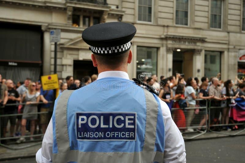 Ufficiale di polizia al gay pride di Londra a Londra, Inghilterra 2019 immagini stock libere da diritti