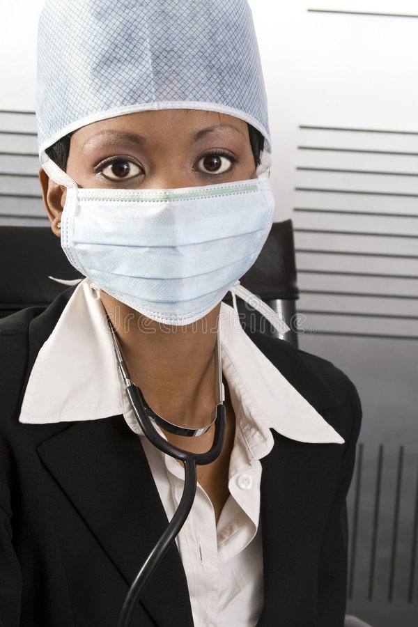 Ufficio africano femminile del medico immagine stock