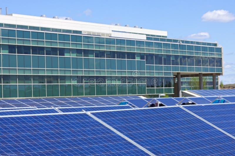 Ufficio alimentato solare fotografia stock