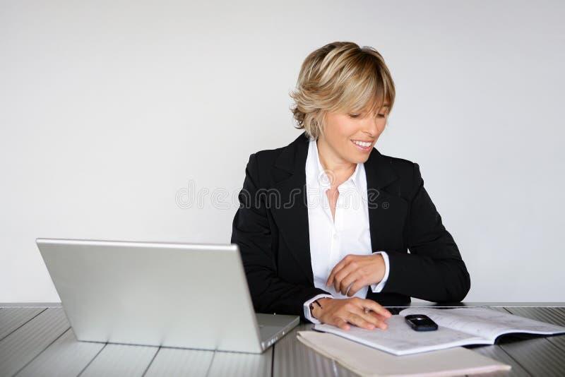 ufficio della donna di affari fotografie stock