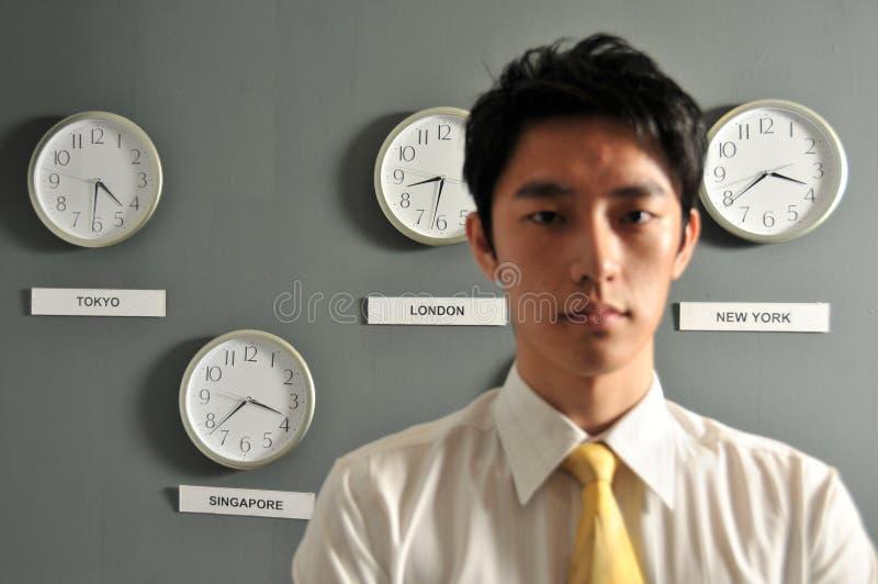 Ufficio di affari con gli orologi - 6 immagini stock libere da diritti
