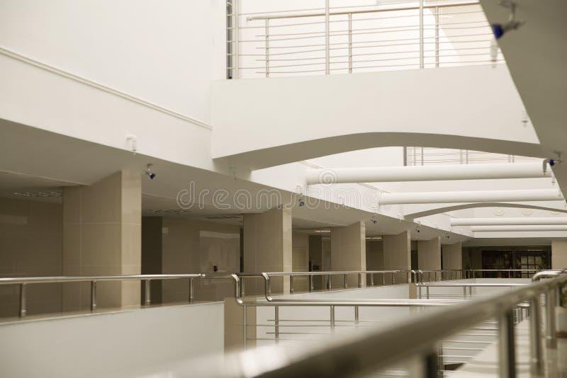 ufficio moderno interno di costruzione fotografia stock libera da diritti