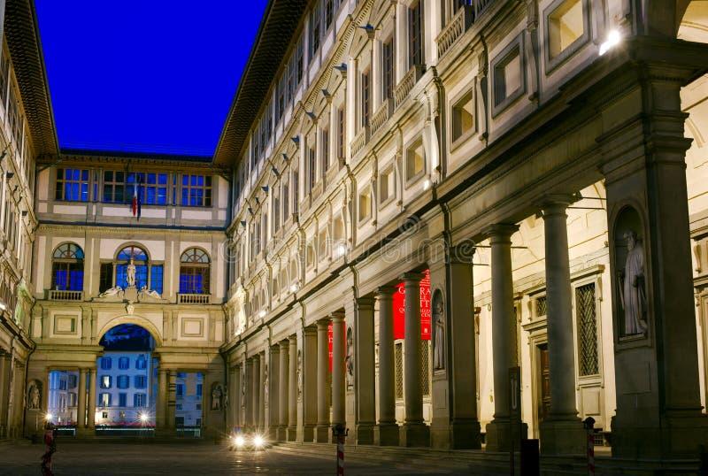 Uffizi på natten, Florence, Italien royaltyfria foton
