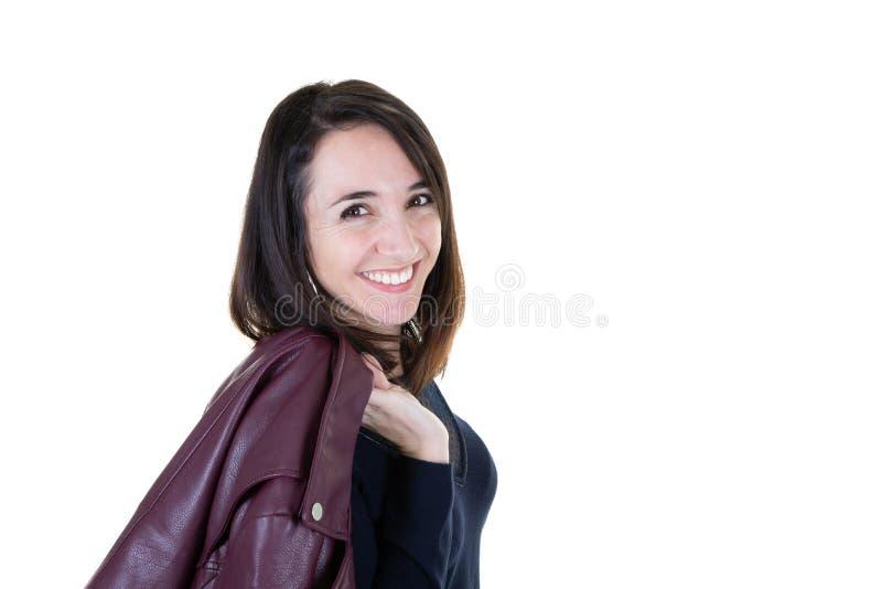 Ufna biznesowa kobieta pozuje z doskonalić uśmiechu piękna śliczną dziewczyną na białym tle fotografia royalty free