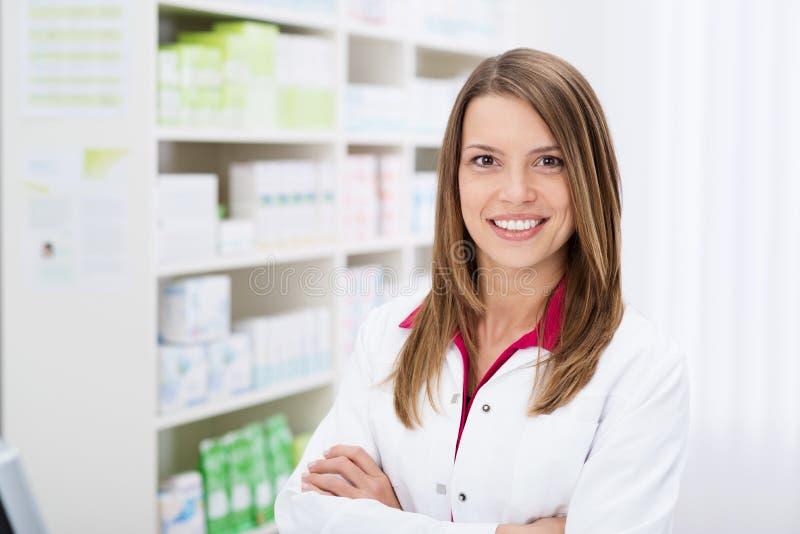 Ufna młoda żeńska farmaceuta zdjęcie royalty free