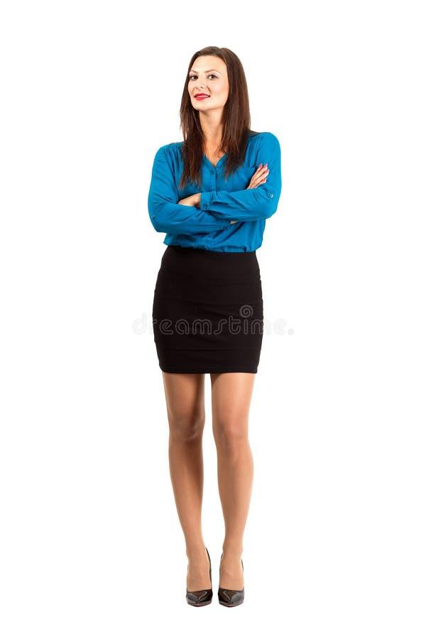 Ufna nowożytna biznesowa kobieta z krzyżować rękami zdjęcie stock