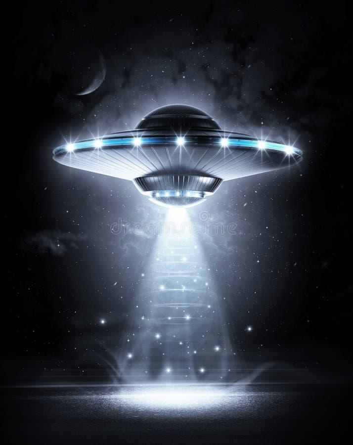 UFO στη σκοτεινή νύχτα ελεύθερη απεικόνιση δικαιώματος