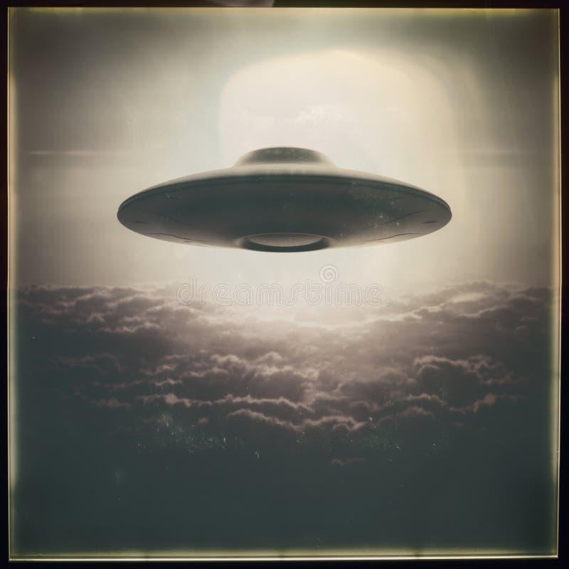 UFO d'objet volant non identifié rétro photo libre de droits