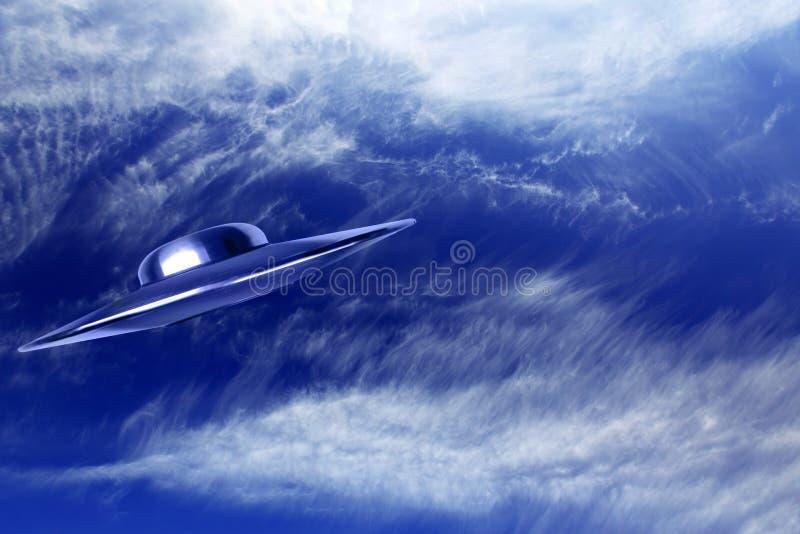 UFO im Himmel lizenzfreies stockfoto