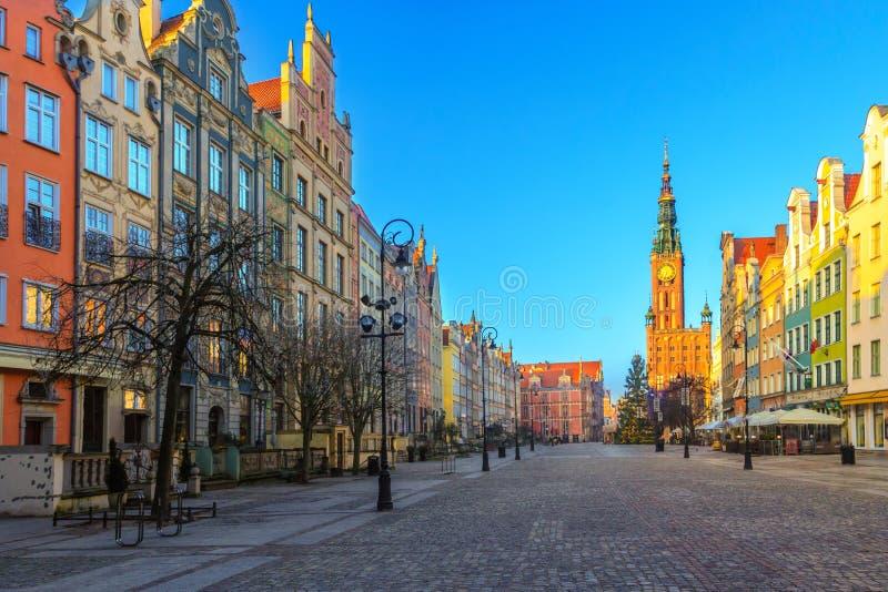 Uga rua da pista ou do 'longo de Ulica DÅ em Gdansk polonês foto de stock