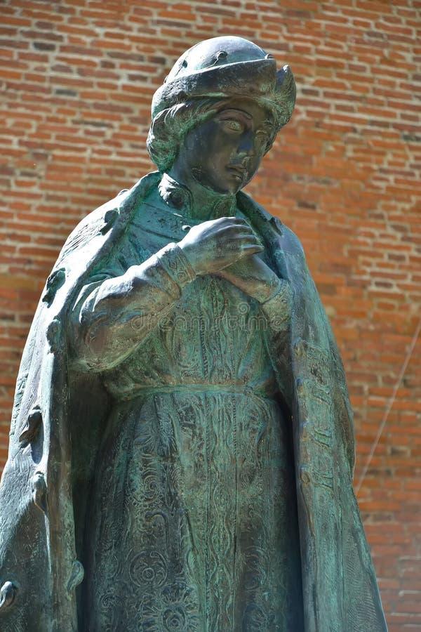 Uglich, Rusia Un fragmento de un monumento a Dimitrii Tsarevich asesinado en Uglich el Kremlin imagen de archivo