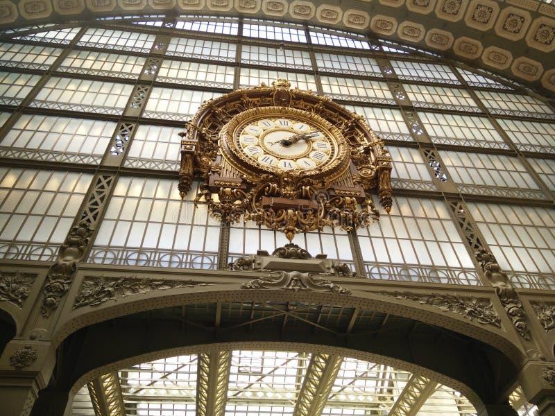 Uhr in Orsay lizenzfreie stockfotos