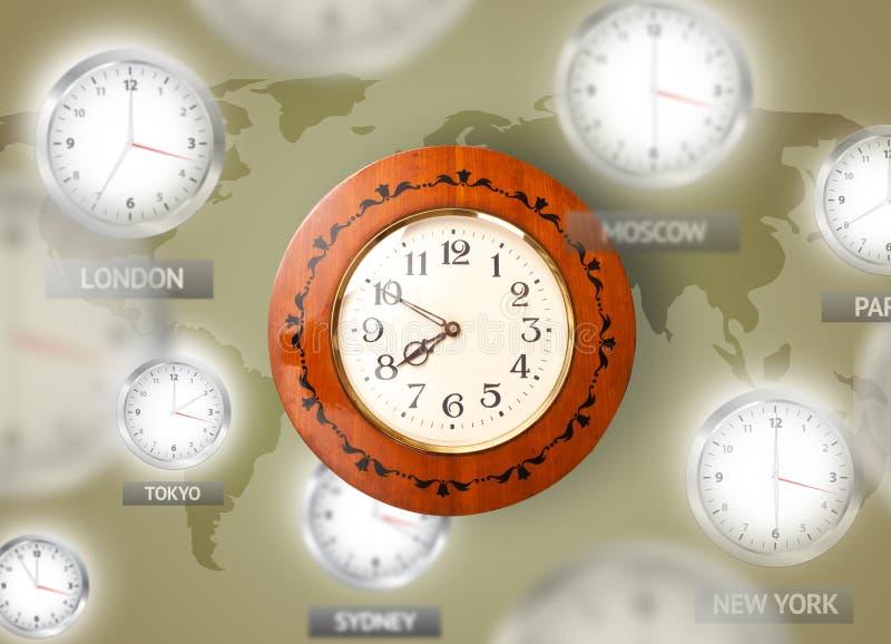 Uhren und Zeitzonen über dem Weltkonzept stockbilder