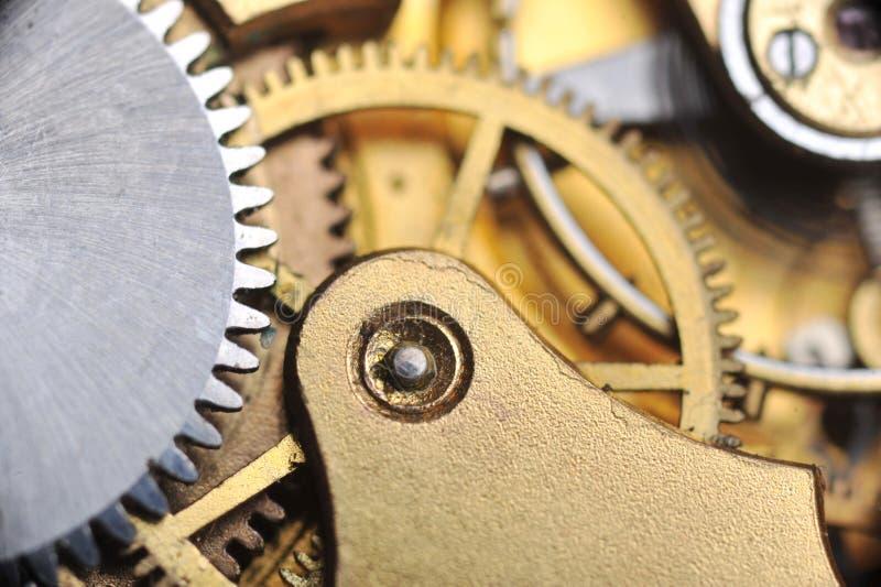 Uhrgänge schließen oben lizenzfreie stockfotos