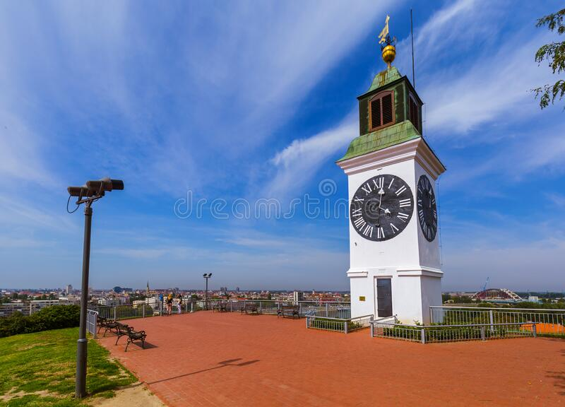 Uhrturm in der Festung Petrovaradin - Novi Sad Serbien lizenzfreie stockfotos