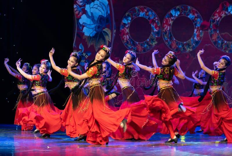 Uighurrosblom-Xinjiang uygur dans royaltyfria bilder