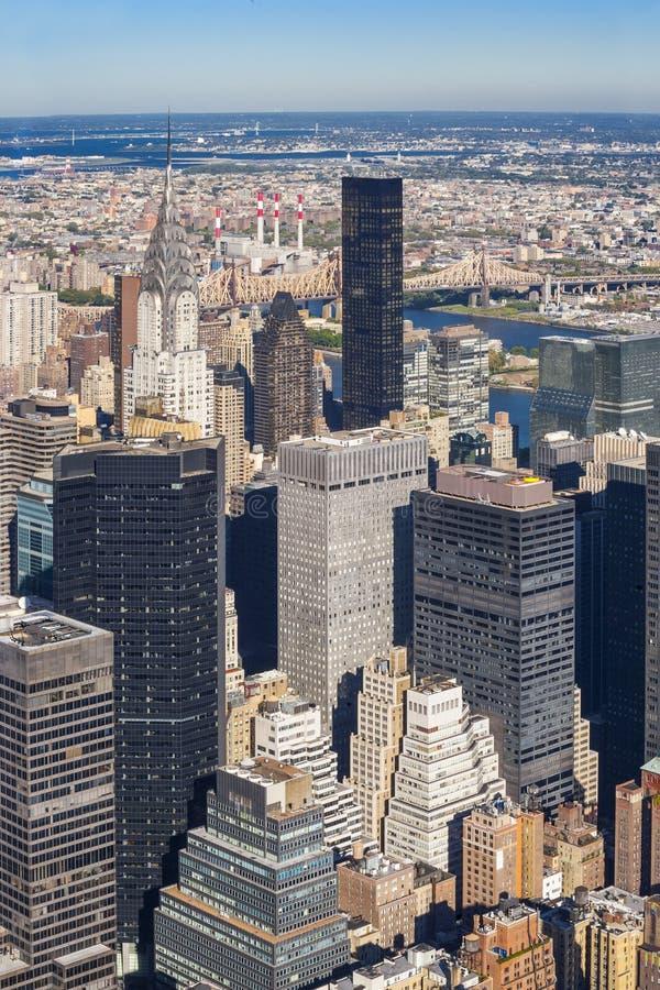 Uit het stadscentrum cityscape van Manhattan bij middag stock afbeeldingen
