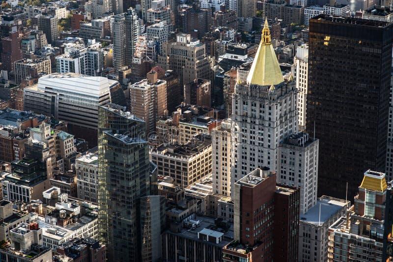 Uit het stadscentrum de gebouwen hoogste mening van Manhattan New York stock afbeelding